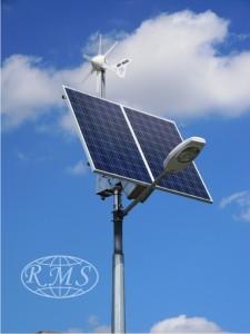 Niezależna od sieci lampa hybrydowa zasilana przez moduły fotowoltaiczne i siłownię wiatrową