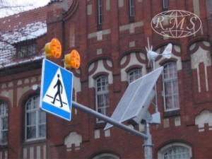 niezależne zasilanie hybrydowe znaków drogowych aktywnych